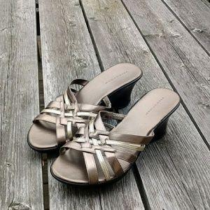 Predictions Womens size 10 dress sandal heels